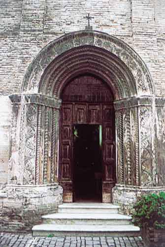 Guide turistiche delle marche sant 39 angelo in vado e urbania for Marini arredamenti sant angelo in vado
